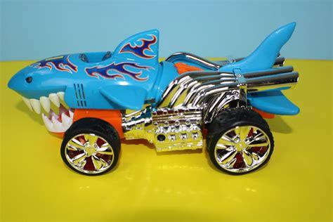 imagenes de hot wheels retro carrito hot wheels tiburon kruiser para ni 241 os youtube