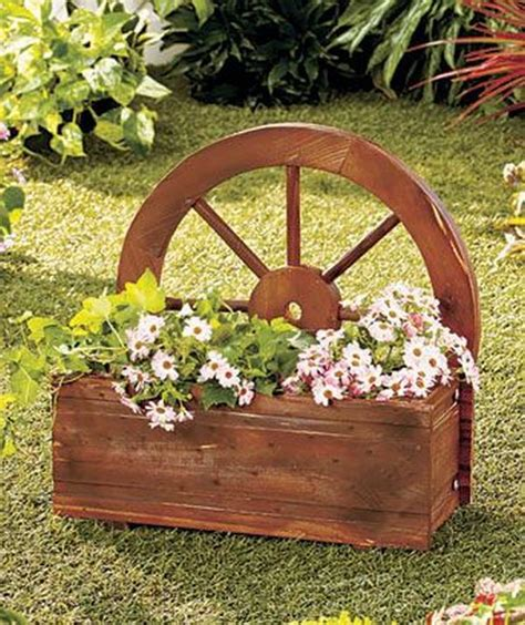 Decorations Made From Wagon Wheels Landscaping Ideas Wagon Wheel Planter