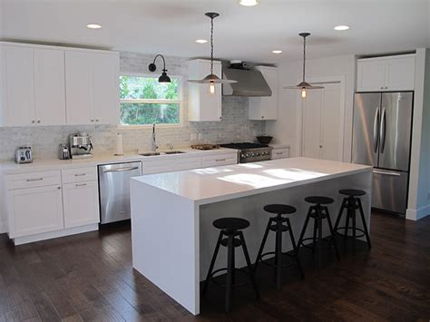 Kitchen Island White White Quartz Kitchen Backsplash Design Ideas
