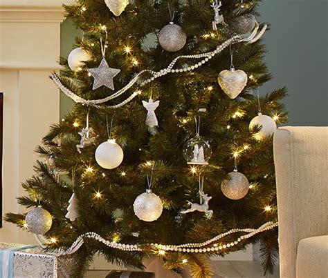 6 glitzer weihnachtsbaum kugeln silber bei tchibo