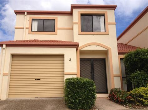 5 bedroom townhouse for rent 3 bedroom 2 5 bath townhouse for rent brisbane