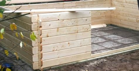 tuinhuis plaatsen op beton huis muur het leggen van tegels voor tuinhuis