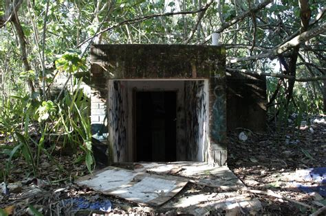 shelters in florida abandoned bomb shelter in south florida 2333x1555 oc album in comments abandonedporn