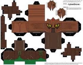 Papercraft Designs - doctor who gets cubed with cool papercraft designs