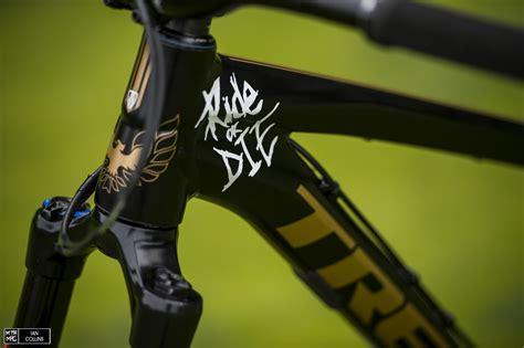 r for dogs bike check r s smokey the bandit trek ticket mtb mag