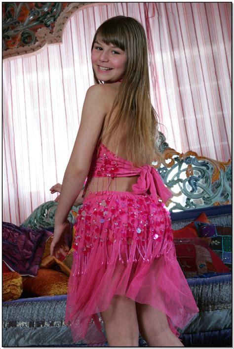 lane model tv lane model tv pinkskirt 053 modelblog