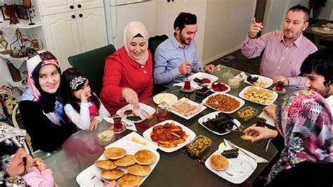 Meja Makan Di Pontianak ramadan saat pas bangkitkan kehangatan keluarga di meja