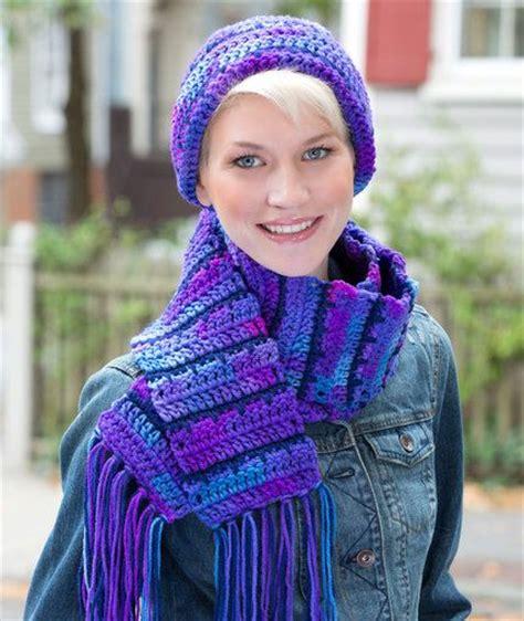 free crochet pattern zipline scarf jagged lines hat scarf set free pattern from red heart