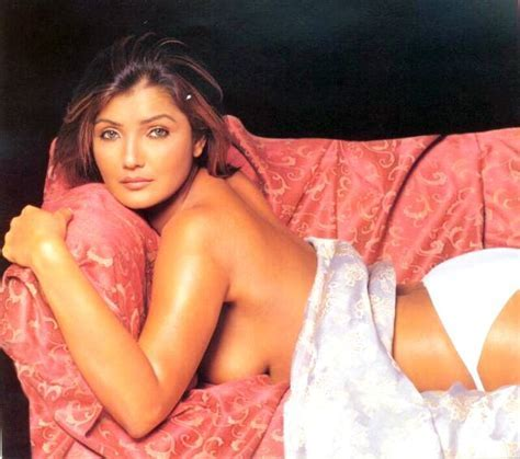 Hot And Sexy Rimi Sen Nude Bollywood