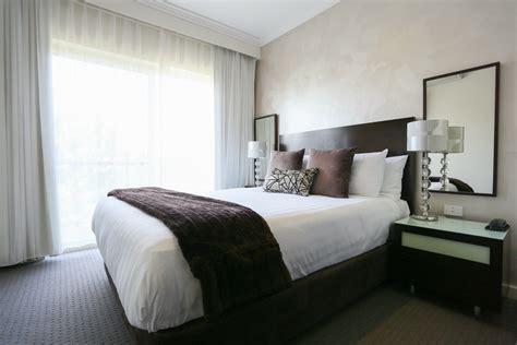 bedroom one 1 bedroom apartment hovell tree inn premier hotel albury