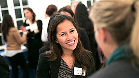 Kellogg Mba Employment Outcomes by Offers Acceptances And Salaries Rise Again For Kellogg S