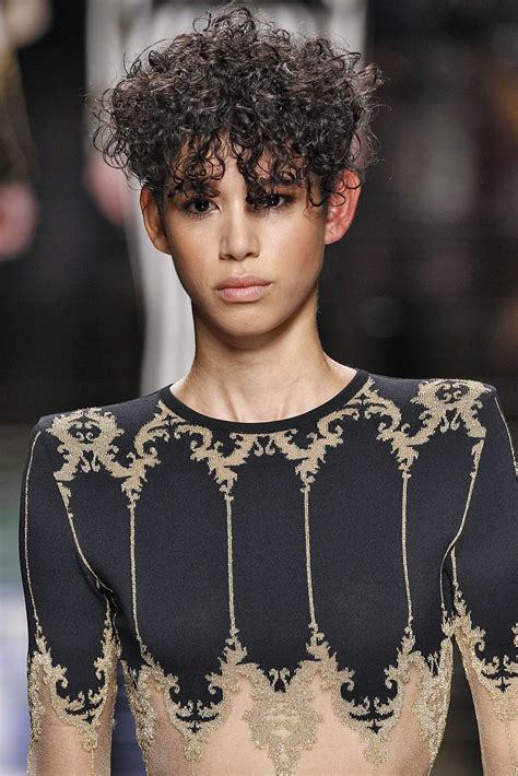 haircuts for curly hair uk oval faces top 5 short haircuts for curly hair