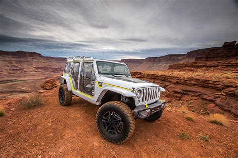 jeep safari white wallpaper jeep 2017 safari concept white automobile