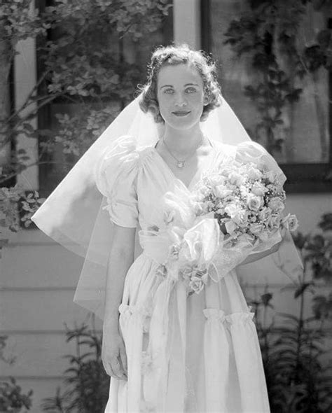 Vintage Wedding Dresses 1940 S by 1940s Wedding Dresses Gowns