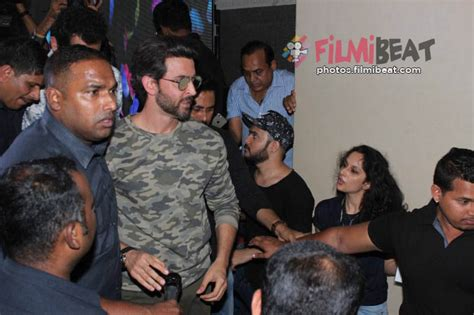 kaabil movie showtimes in mumbai online ticket booking photos kaabil movie promotion at mithi bai collage