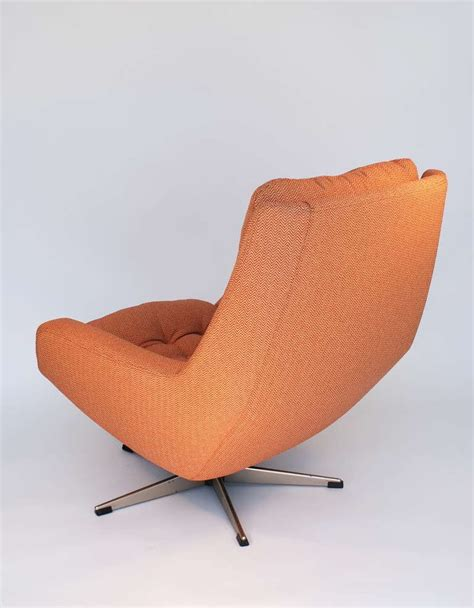 Swivel Lounge Chair And Ottoman By Selig At 1stdibs Swivel Chair And Ottoman
