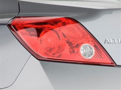 2009 nissan altima brake light image 2009 nissan altima 2 door coupe i4 cvt s tail light