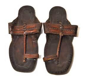Men s vintage leather embossed indian sandals by youngandukraine