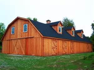 gambrel barns barns and buildings quality barns and buildings horse