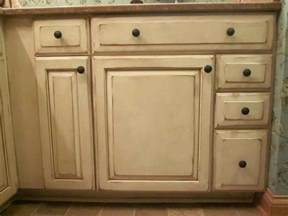 how to paint oak cabinets white painting oak cabinets white with glaze deductour