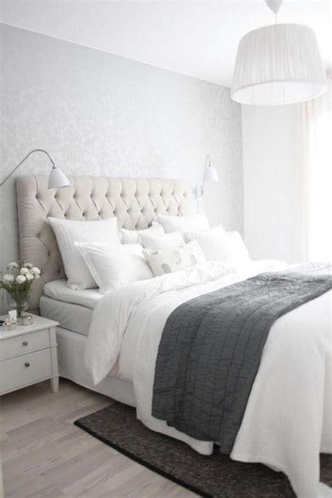 white and silver bedrooms 50 quartos de casal cinza inspiradores fotos