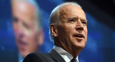 joe biden joe biden 2016 elizabeth warren backers lukewarm on him