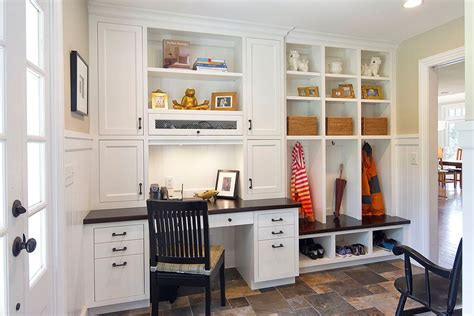 10 versatile mudrooms that as home workspaces