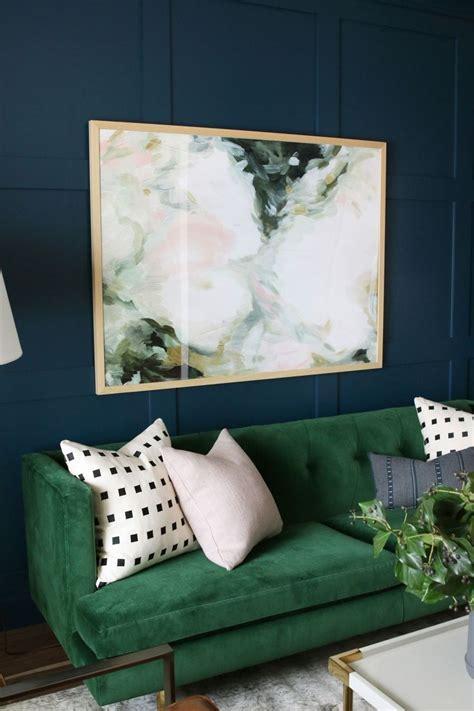 emerald green bedroom best 25 emerald green decor ideas on pinterest emerald green sofa velvet green