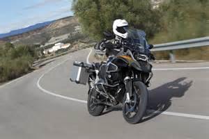 ride bmw r1200gs adventure review visordown