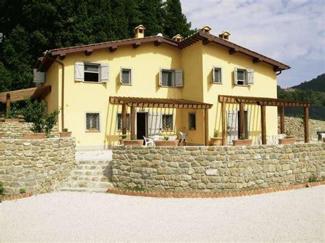 colore casa esterno foto come decidere il colore per i muri esterni di casa