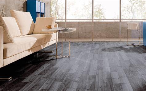 piso vinilico autoadhesivo suelo vin 237 lico autoadhesivo r 225 pido de instalar y economico