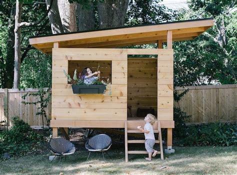 backyard clubhouse ideas best 25 playhouse on