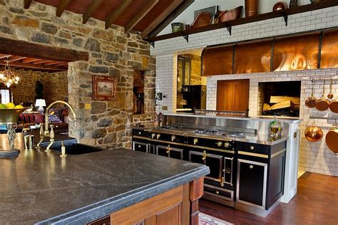 Farmhouse Kitchens Designs by 10 Cuisines Cr 233 Atives Avec Des Murs En Pierres Bricobistro