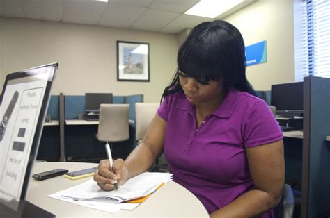 Unemployment Office Ga by Jobless Rate Falls In State Rises In Region Troup