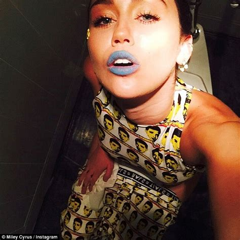miley cyrus line in the bathroom miley cyrus shows off drake print outfit as she shares