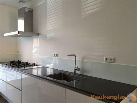 glazen werkblad keuken keuken glaswand in rotterdam keukenglas