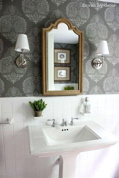 bathroom wall stencil ideas ideas para decoracion de ba 241 os con papel tapiz curso de