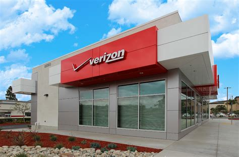 store hours verizon store hours what time does verizon open