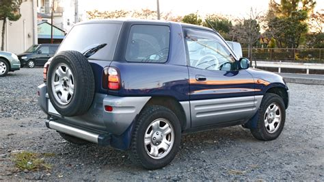 how petrol cars work 2000 toyota rav4 navigation system file toyota rav4 002 jpg wikimedia commons
