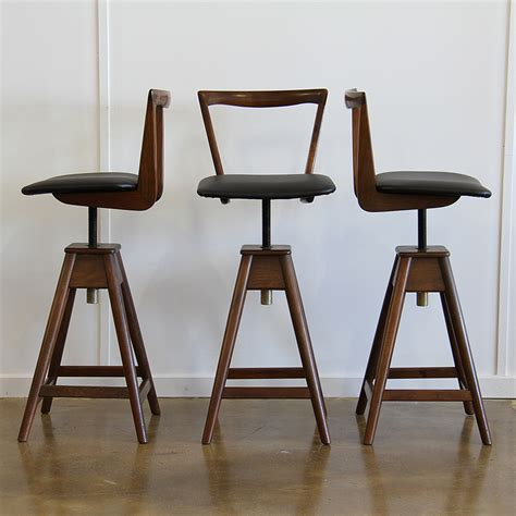 Th Brown Bar Stools by T H Brown Bar Stools X3 Realm