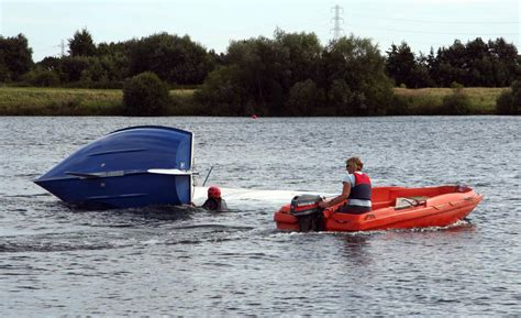 boat safety procedures powerboating rya safety boat for coaches and safety boat