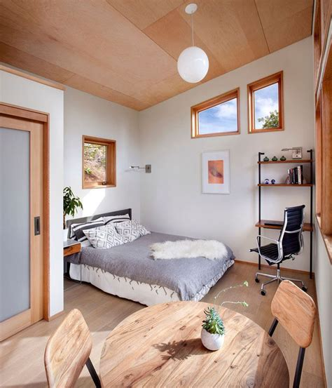 Backyard Guest Room by 17 Best Ideas About Backyard Guest Houses On