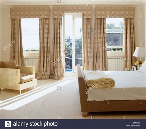 white carpet in bedroom double bed and white carpet in contemporary bedroom with