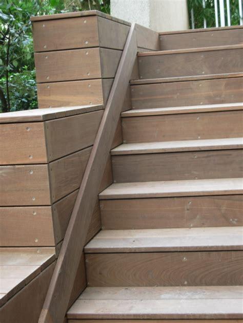 Comment Refaire Des Escaliers by Refaire Un Escalier En Lames De Terrasses Bois