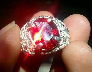 Batu Akik Kuno Warna Merah barang antiek kuno retro batu akik paparadca warna