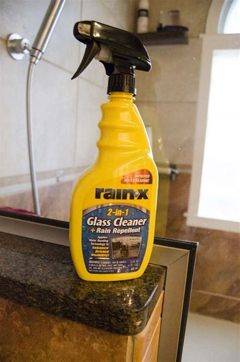 Best Cleaner For Glass Shower Door 25 Best Ideas About Shower Door Cleaning On Pinterest Cleaning Shower Doors Cleaning Glass