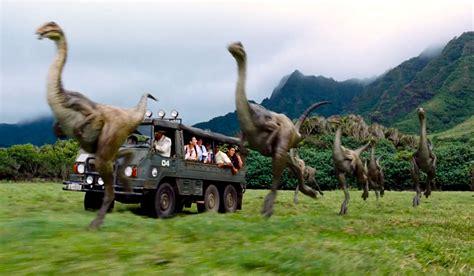 film dinosaurus jurassic park movie review jurassic world 2015 the park is back in