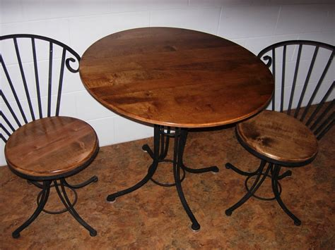 coffee tables with chairs