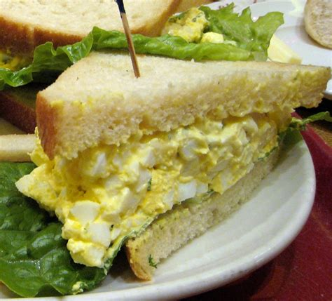 file egg salad sandwich cropped jpg wikimedia commons