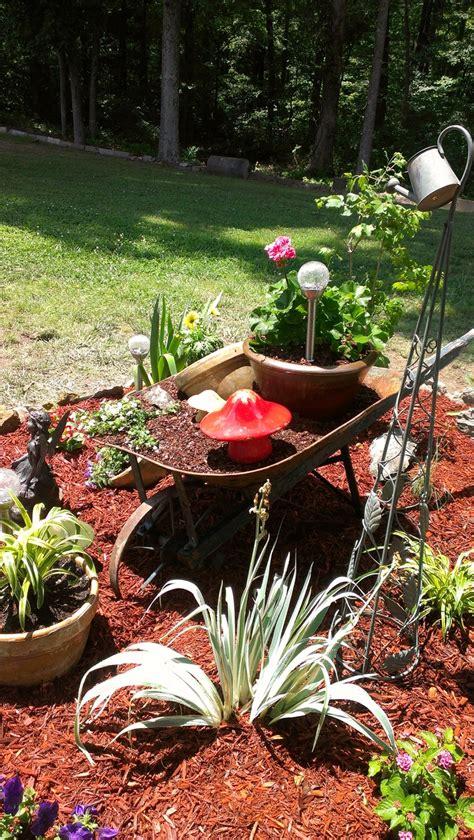 Wheelbarrow Garden Ideas Best 25 Wheelbarrow Garden Ideas On Wheel Barrow Ideas Wheelbarrow Planter And